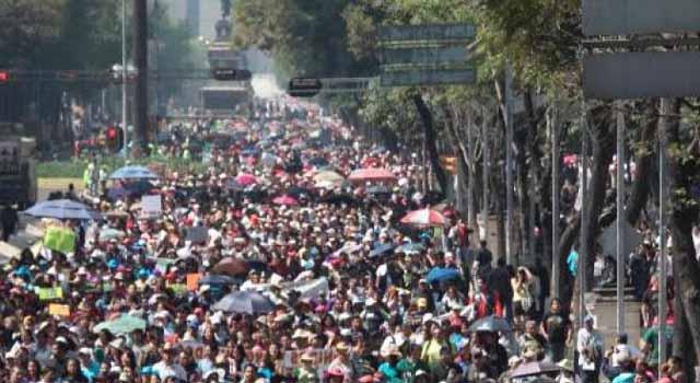Marcha masiva de maestros en la capital mexicana Noticias del dia de hoy en argentina espectaculos