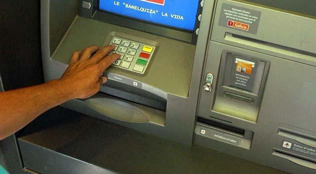 Medidas de seguridad al ir al banco o cajeros peri dico for Cajeros en el aeropuerto