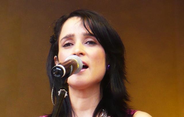 de canciones de julieta venegas tu nombre: