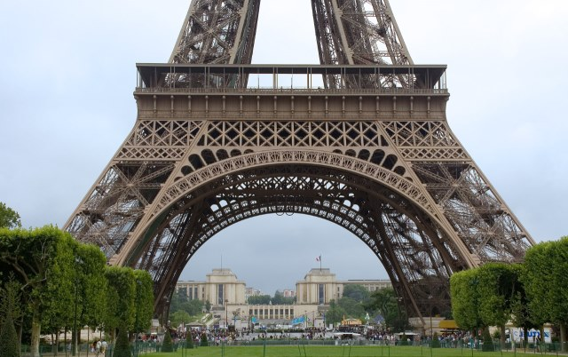 A 90 a os de la muerte del creador de la torre eiffel for Quien hizo la torre eiffel