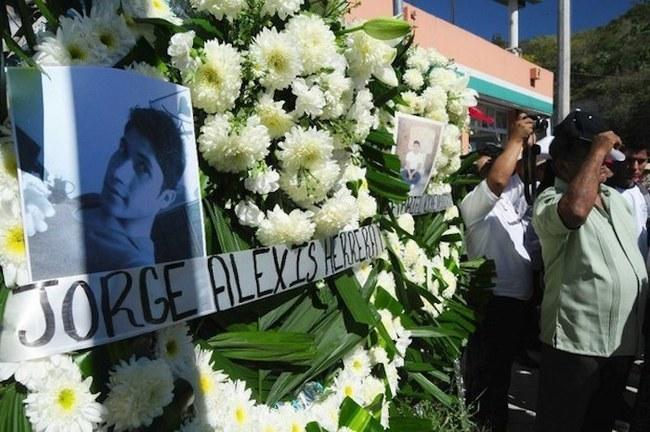 Director de la Escuela Normal Rural de Ayotzinapa en la Escuela Normal Rural de