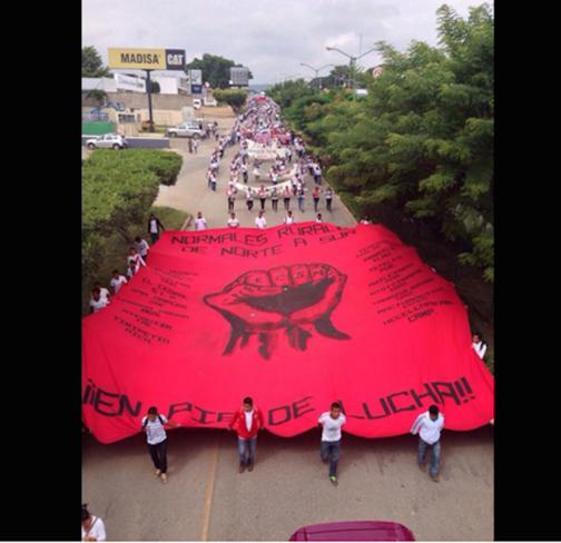 Zapatistas en lucha por Ayotzinapa