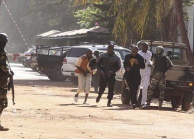 Al menos tres muertos en toma de rehenes en un hotel de Mali